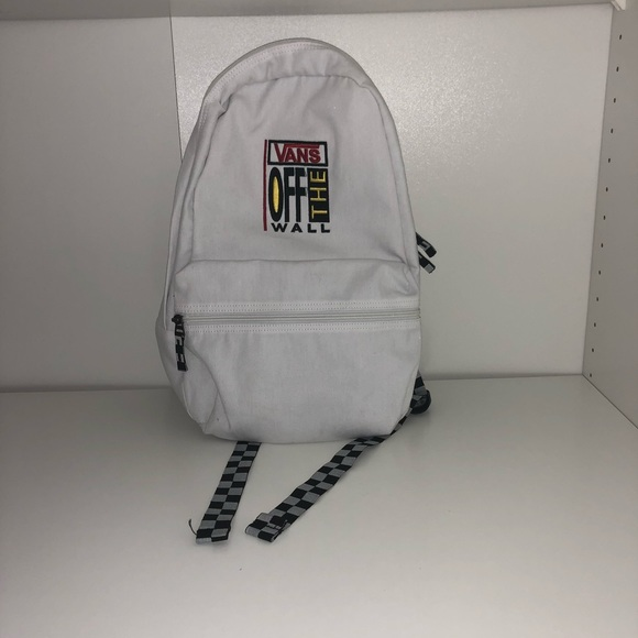 Vans off the wall backpack white. M 5ad623da61ca1092be04b0ac